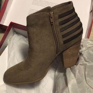 Carlos Santana boots size 9M